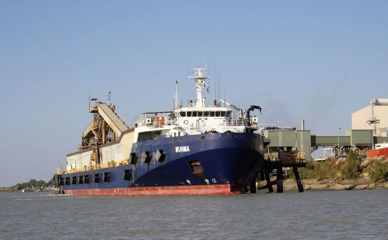Transhipper arrives on time for New Century