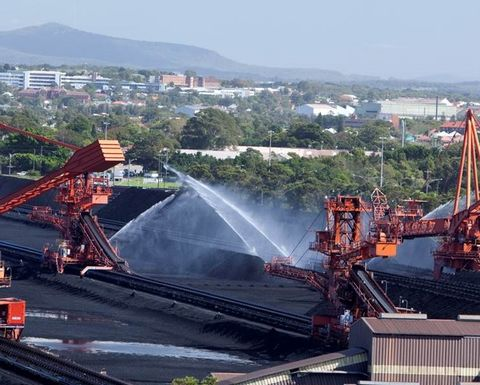 Port Waratah on top of dust management