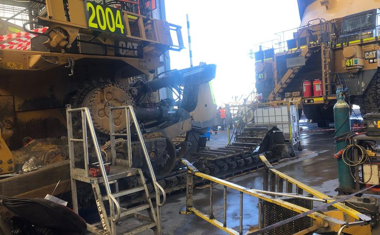 Crane fail leads to damaged dozer