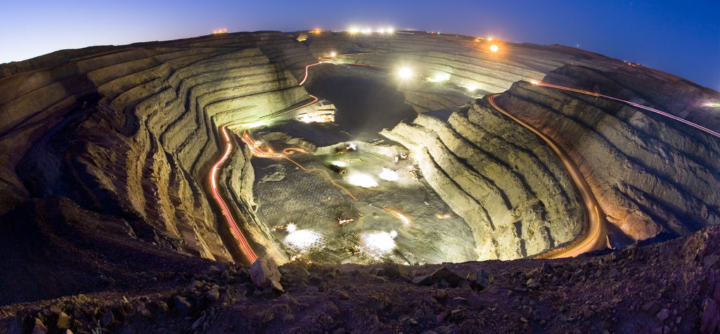 Super Pit on wrong side of the tracks