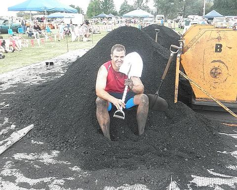 Fast and dirty - the World Coal Shovelling Championships