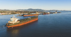 Gladstone port plan aims to protect Reef