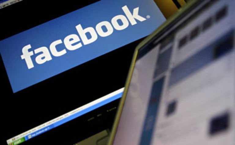 More workers 'like' access to Facebook