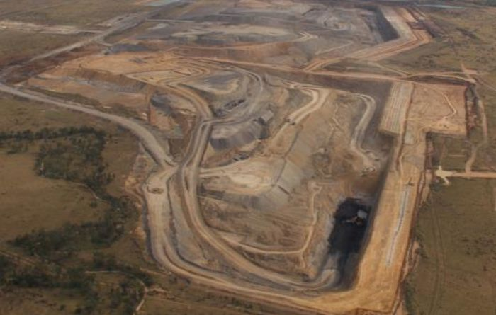 Golding to restart coal mine