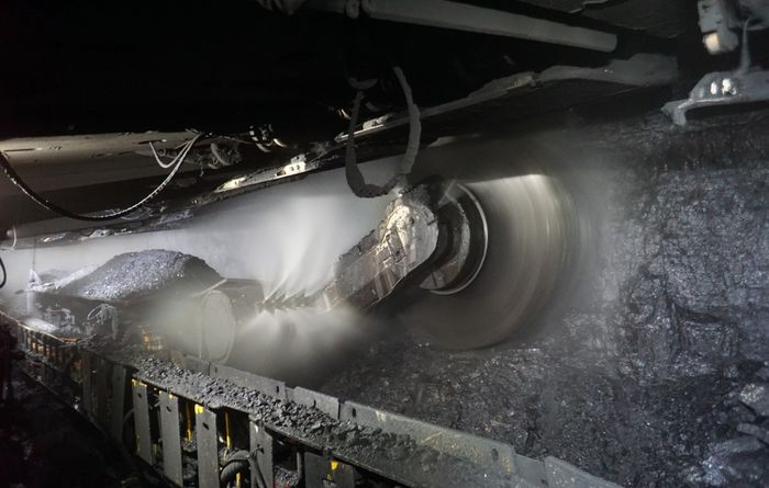 Equipment efficiency helps lift Anglo met coal production