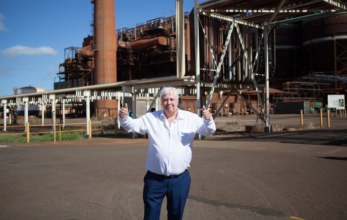 Clive Palmer says he'll pay refinery workers' entitlements