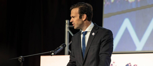 Canavan urges miners to take on China